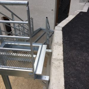 escalier moderne metal